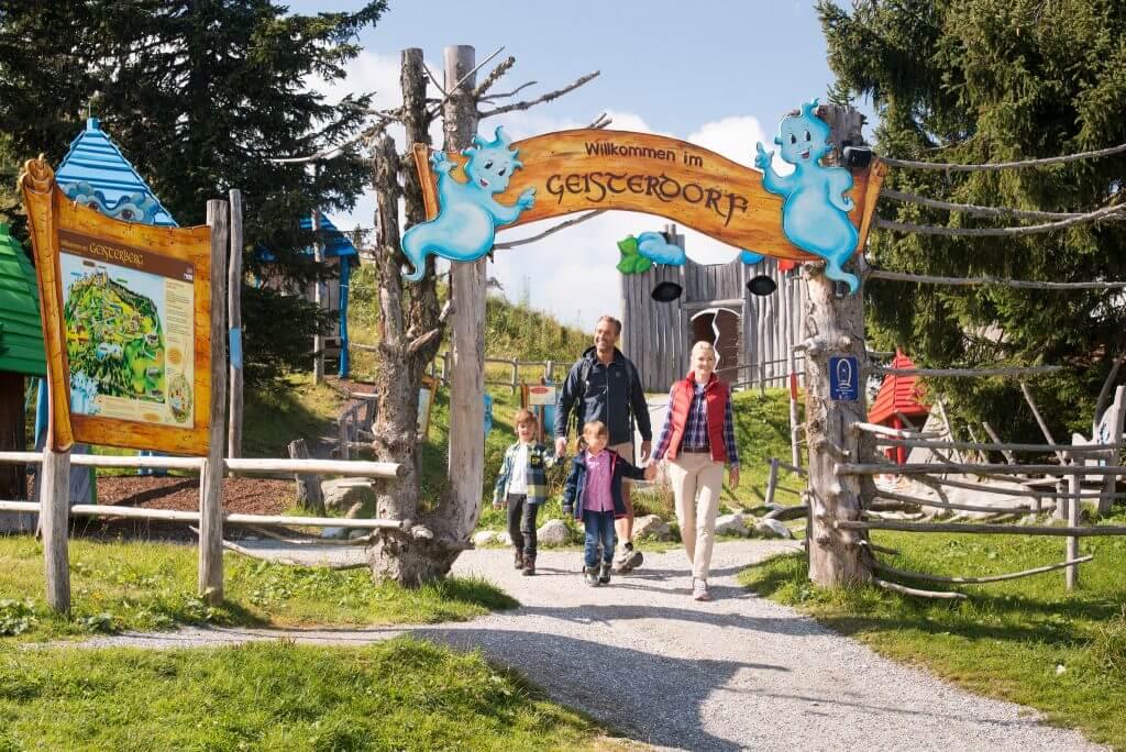 Willkommen im Geisterdorf ✰ Sonnenterrasse.at ✰ St. Veit-Schwarzach ✰ Urlaub im Salzburger Land